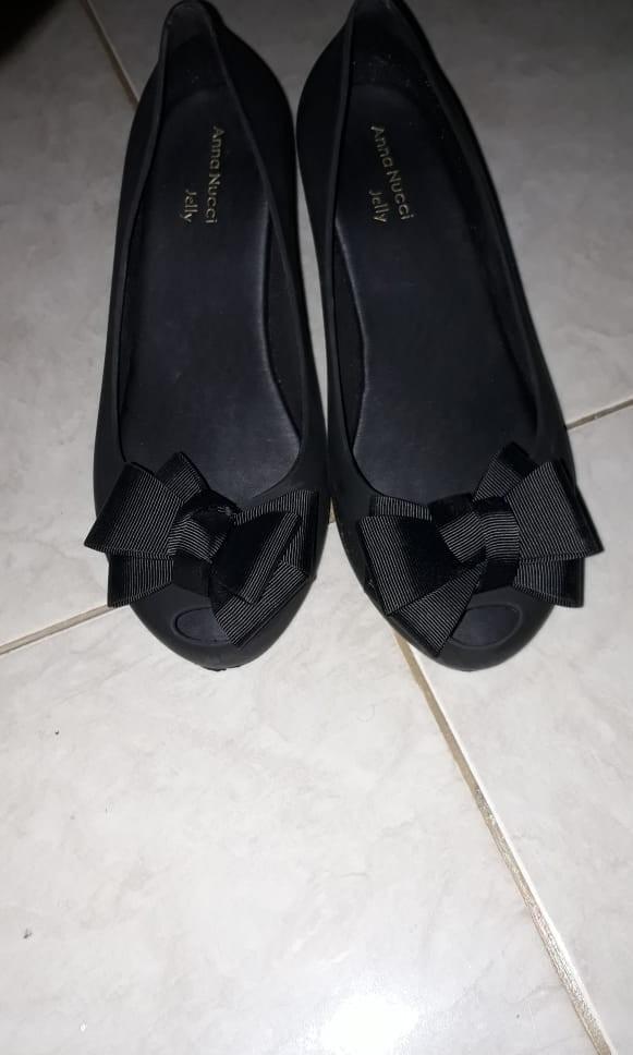 Sepatu jelly ukuran 39