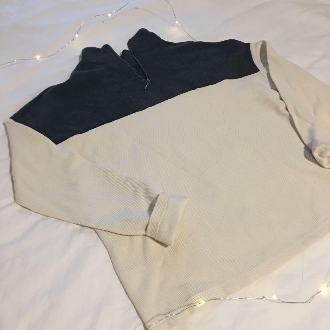 Turtleneck zipup sweater