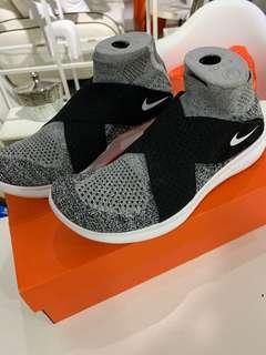 🚚 Nike FREE RN MOTION FK 2017
