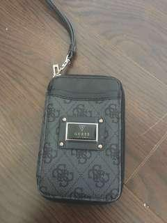 Phone holder guess wristlet black