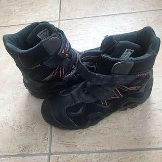GEOX boys leather boots in great condition