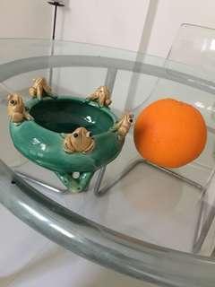 Frog Bowl, oil burner, statue, porcelain figure,