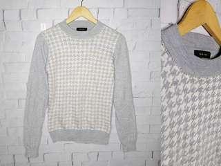 Takaiq Gray Knitted Sweater Top