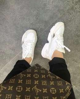Adidas Falcon White Kylie Jenner