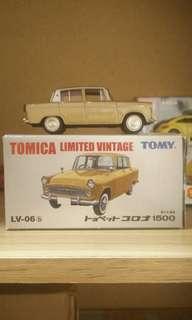 Tomica limited vintage toyopet corona 1500