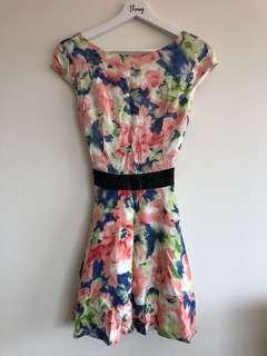Size 6 dress low back capped sleeves