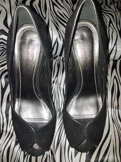 Diane von Furstenberg black peep toes sz 61/2