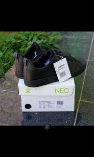 Adidas advantage full black
