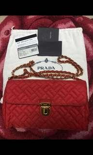 100%real Prada 紅色斜咩袋 wallet on chain 金色錬袋
