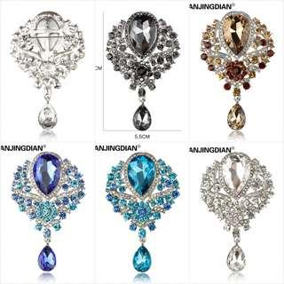 WEIMANJINGDIAN Brand Large Crystal Diamante Rhinestones Teardrop Wedding Brooch  Pins in Assorted Colors 9a58421e76a3