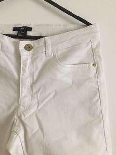 H&M: White Skinny Jeans