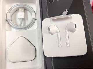 全新 iphone usb 耳機 三腳火牛 原裝(圖中盒不包括售出)