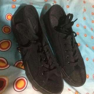 New look shoes all black