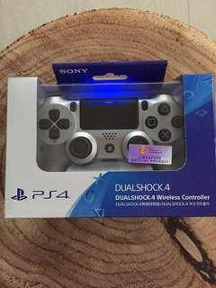 Playstation 4 Controller (Silver / White)