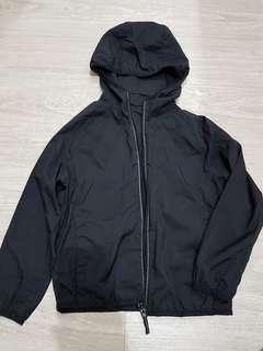 🚚 UNIQLO輕薄防風輕量外套(可收納小袋攜帶方便)-120號