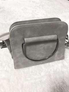🚚 灰色鐵環包