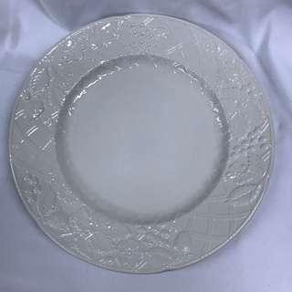 2pc Plates with Fruit Detail