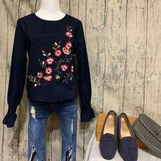 🚚 花卉刺繡短版上衣