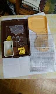 [95%新]倉鼠籠 Jolly 巧克力工廠 跑輪全齊 唔包水樽 hamster cage
