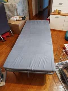 新淨摺床一張(免費)