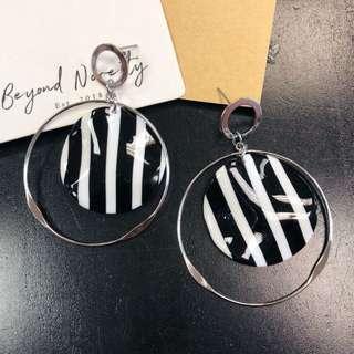 🚚 Delaney Earrings (Stripes & Silver Rim)