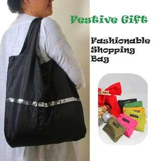 🚚 Festive Gift Suggestion: Dual colour foldable shopping bag (Black)