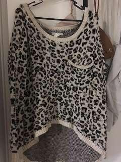Leopard knit