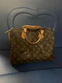 Authentic Louis Vuitton  speedy 25, 75%new, conditions as pic, no damage, have key and dust bag