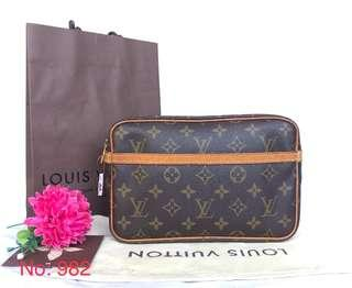 Authentic Louis Vuitton Compeigne 23