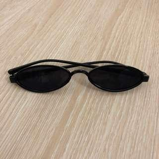 Vintage small oval frame sunglasses