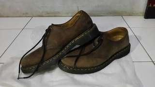 Sepatu dr martens 1461 mit
