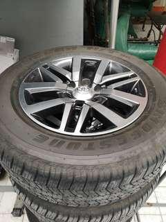 Toyora Hilux fortuner Tires and mags