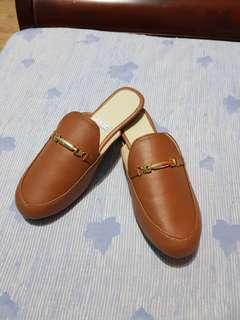 Mule brown leather
