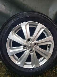 """Vios 2017 Stock Tires and Rims 15"""""""