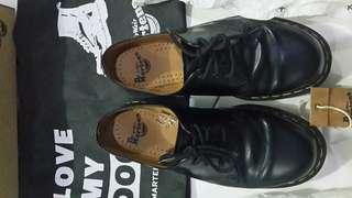 Sepatu Dr Martens 1462 MIT