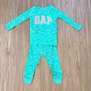 🚚 全新baby gap綠底彩色點點睡衣 超可愛 18-24m