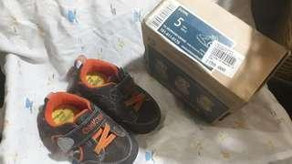 Crib shoes oshkosh baby