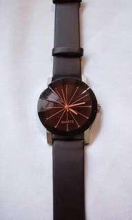 Unisex Luxury Leather Wristwatch 😍