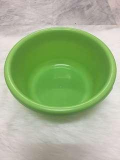 Round Green Plastic ware
