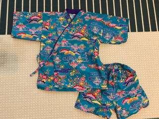 日本沖繩男孩傳統服