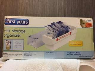 The first year breast milk organizer