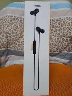 Moxom MOX33 Wireless Earphone
