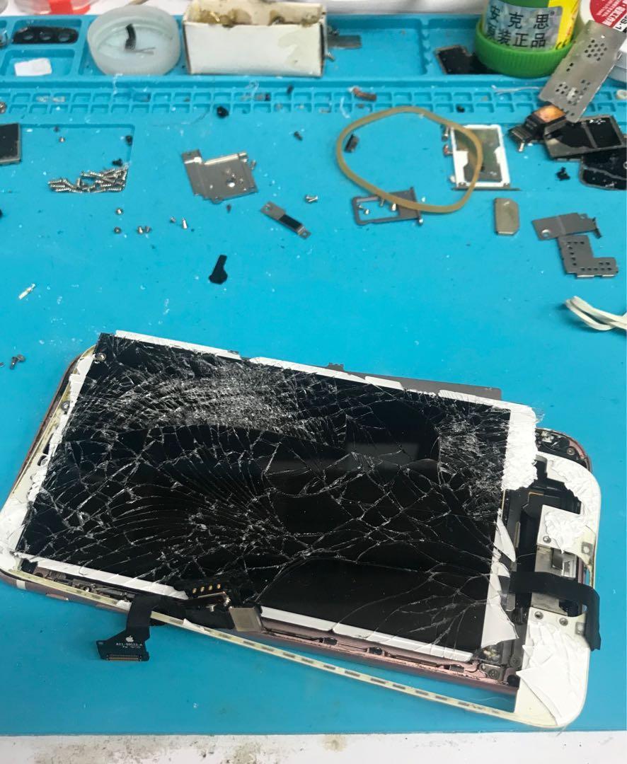專業手機維修 10年維修經驗 15分鐘特快維修旺角信和中心2樓134a鋪 Mobile Repair Service