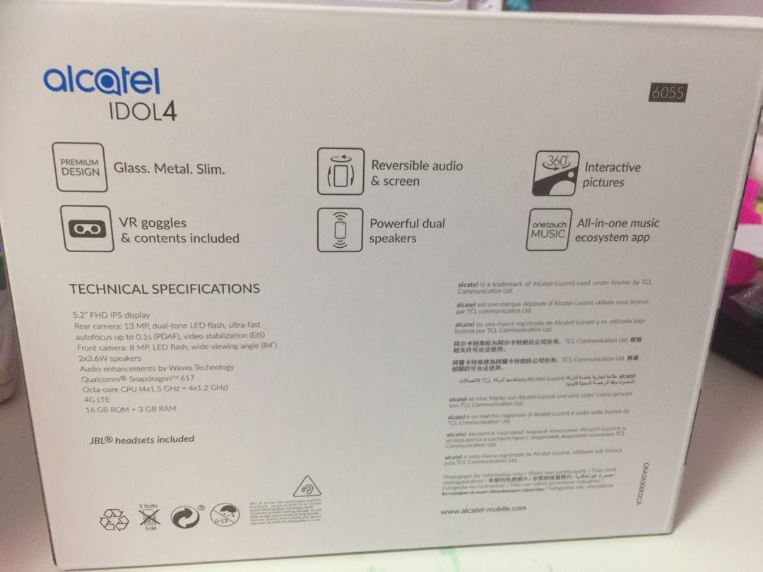 Alcatel Idol 4 Brand New and Unused  VR included!