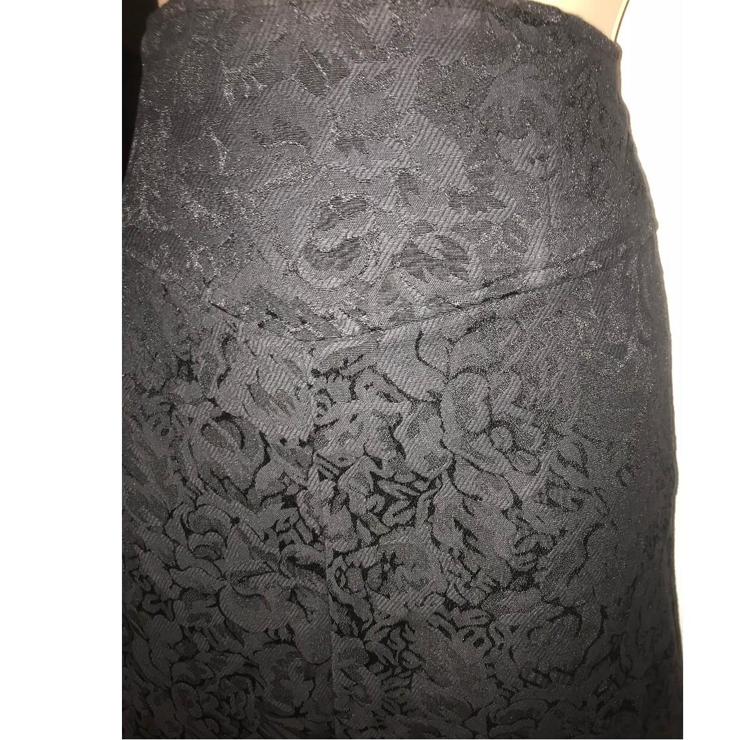 BNWOT Princess Highway Mini Skirt size 10 A-line Black Jacquard Floral New Dangerfield