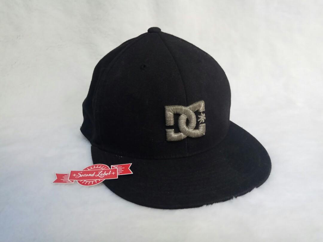 Fitted Topi Snapback Dc Logo Black Gold cb4d015b61