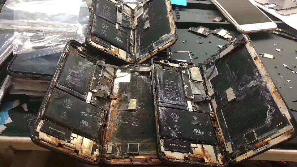 Iphone X 入水維修 免費檢查 歡迎查詢 信和中心2樓134a