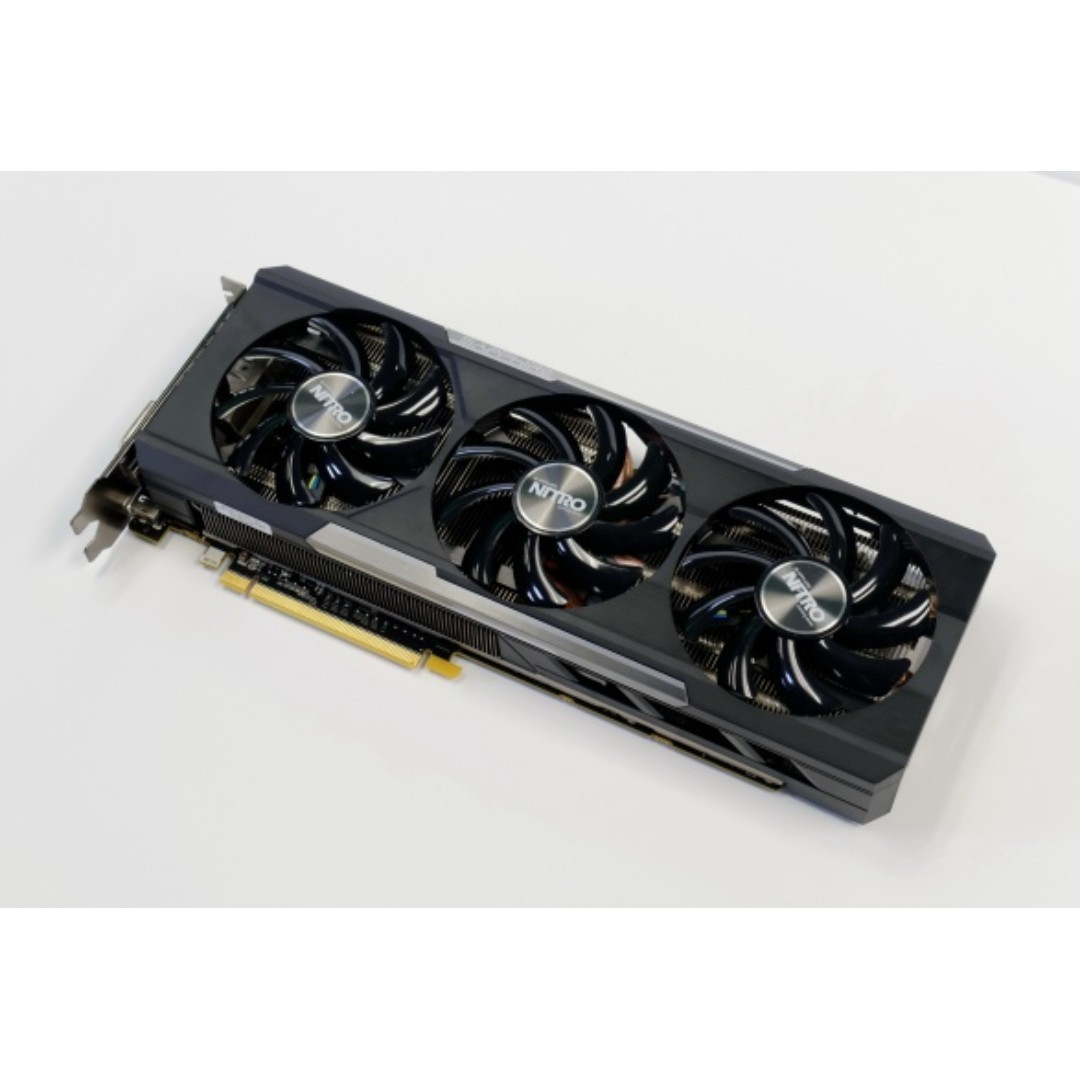 Sapphire R9 390 8GB Nitro Edition with Metal Back plate Graphic card