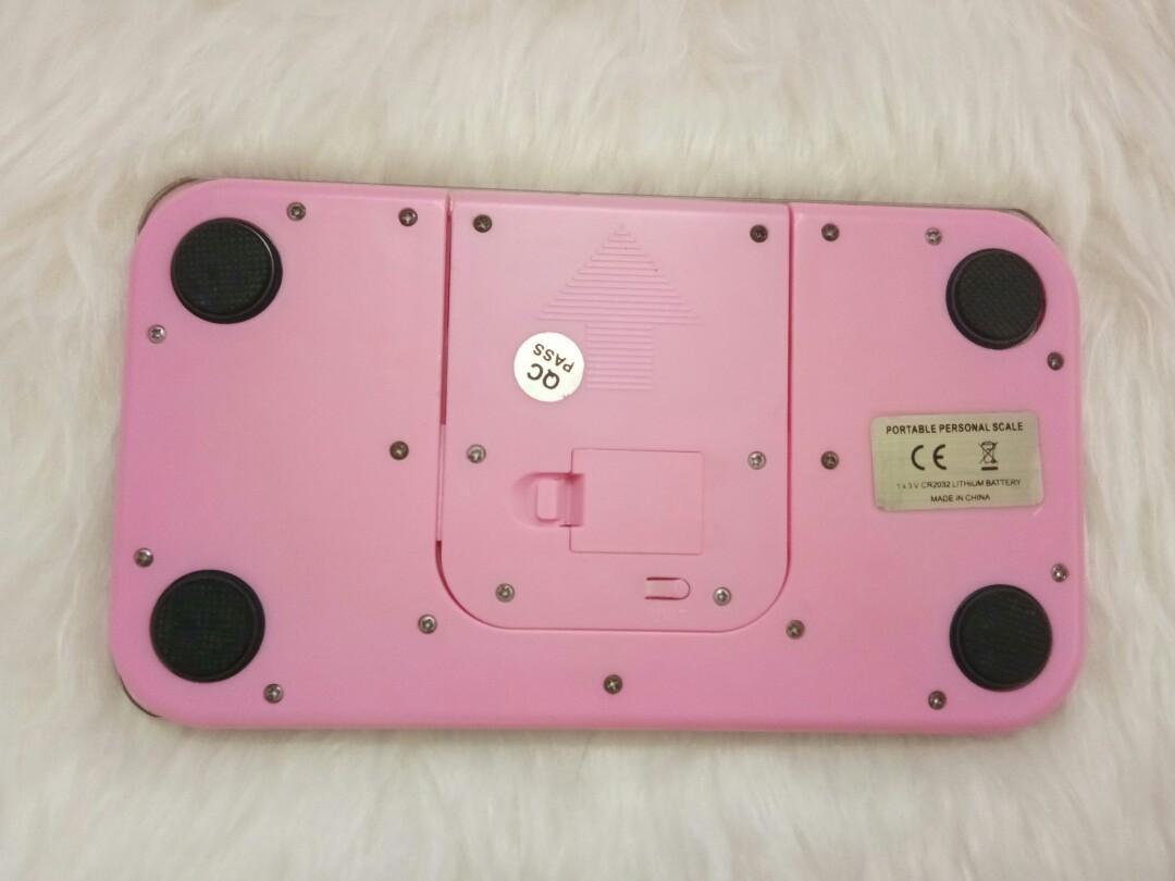 Timbangan Badan Hello Kitty Pink (Sanrio) Persegi Panjang