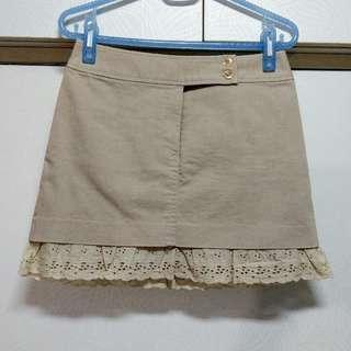 🚚 專櫃品牌BiGi下襬蕾絲卡其色短裙尺碼S